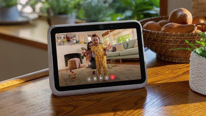 အသစ်ထပ်မံမိတ်ဆက်လိုက်တဲ့ မျိုးဆက်သစ် Portal Go နဲ့ Portal+ Video Calling Devices
